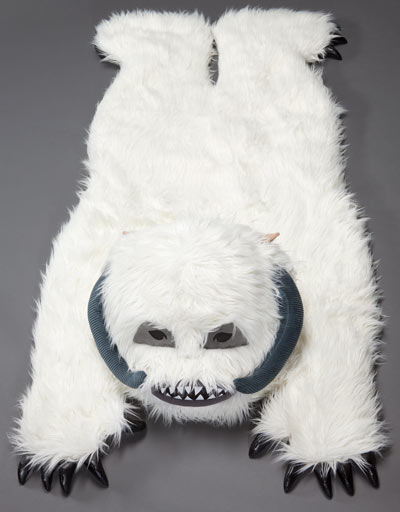Wampa Rug (Featured on pinkmitten.com) #geekrugs #geekhhome #starwars