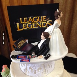 League of Legends Cake Topper