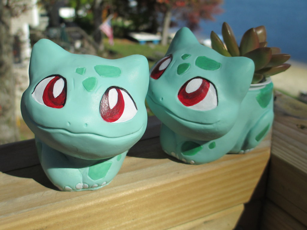 DIY Bulbasaur Pokemon Garden Pot as featured on @pinkmitten. #gardenpot #flowerpot #plantpot #Pokemon #bulbasaur