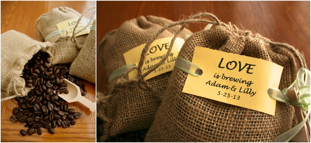 Coffee packets are a great wedding favor! #weddingfavors As featured on @pinkmitten.com #weddingfavors #weddingcoffee